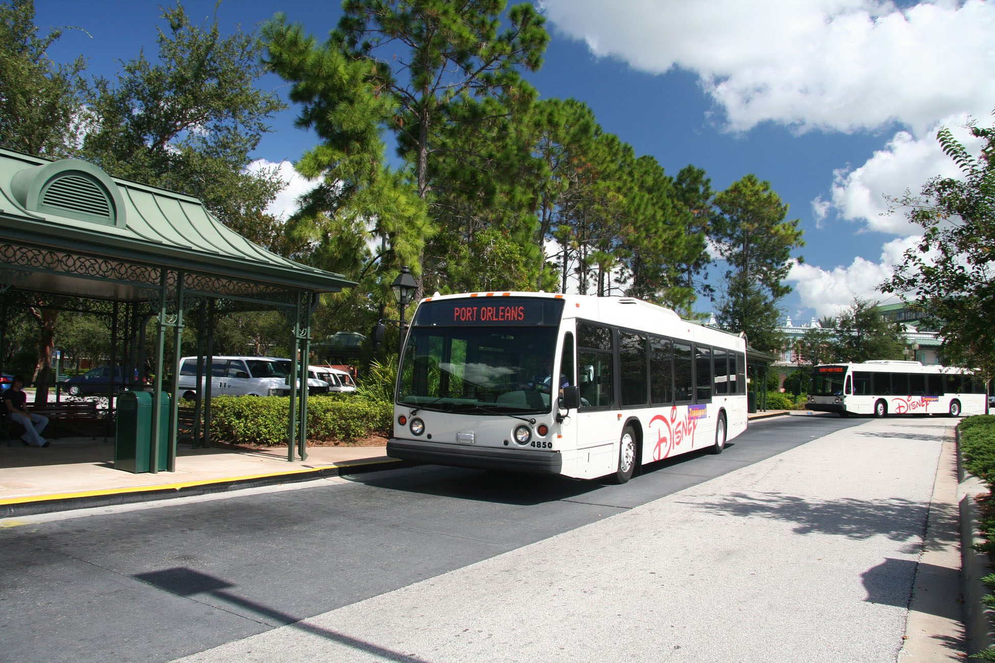 Port Orleans - Walt Disney World Buses