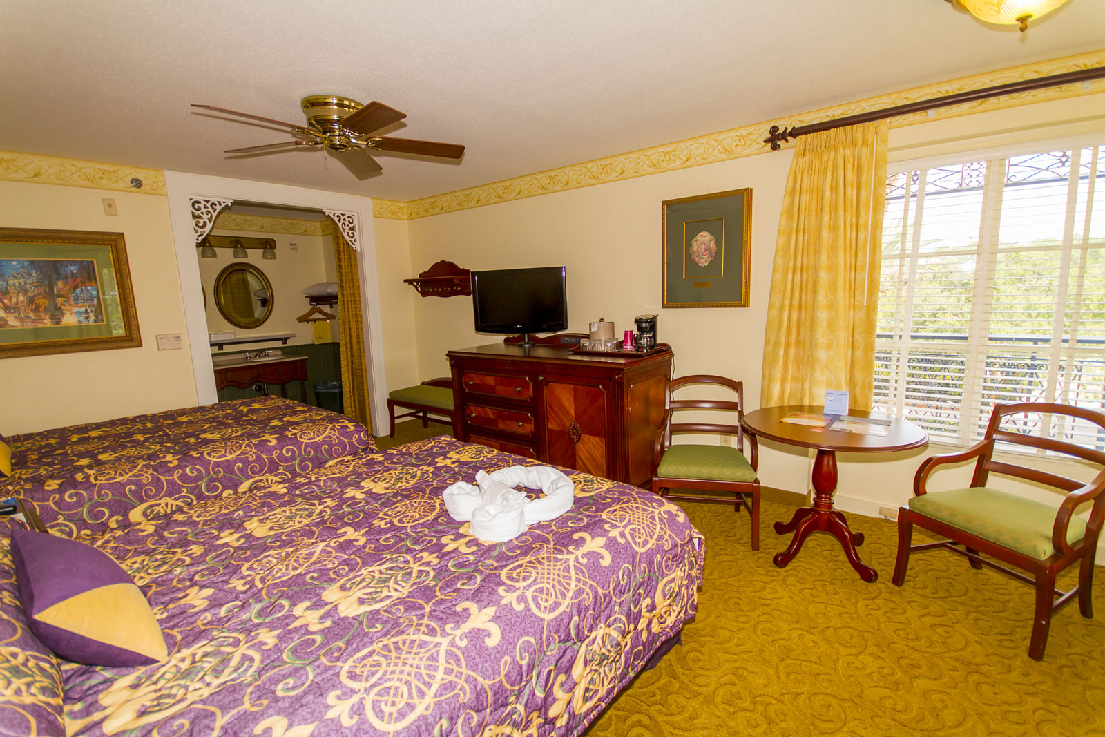 Rooms: Port Orleans French Quarter Rooms Photo Gallery