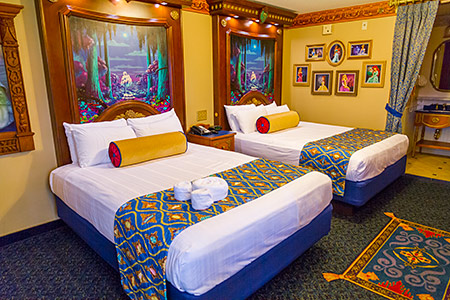 Port Orleans Riverside, Royal Guest Room (new bed covers from 2014)