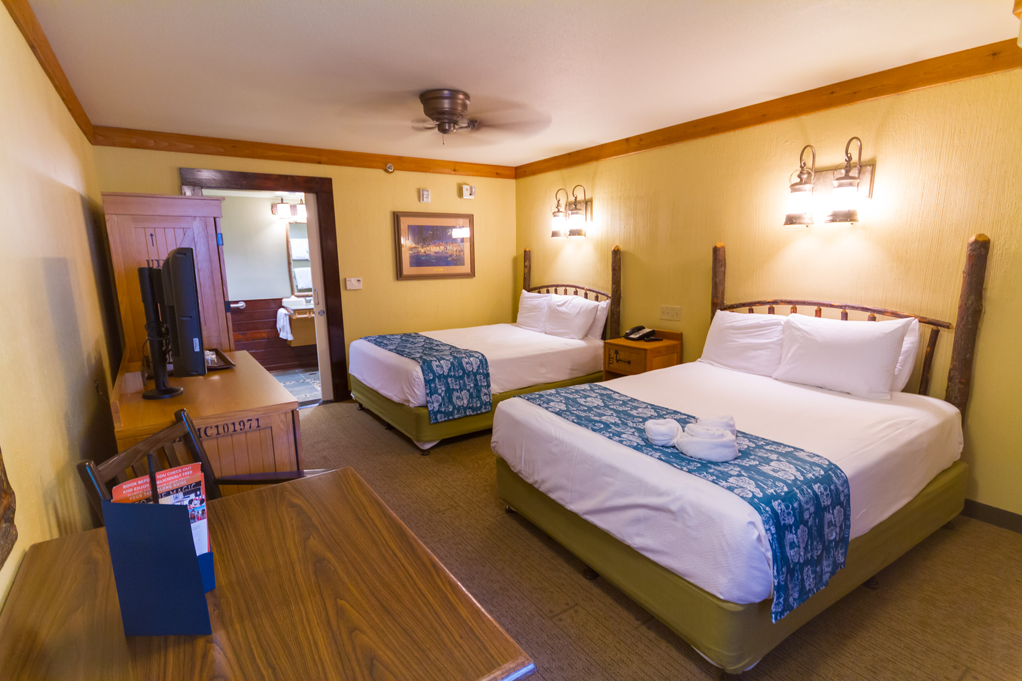 Port Orleans Riverside, Wheelchair Accessible Guest Rooms (with Shower) ...